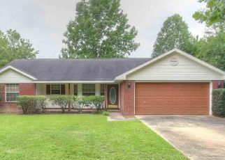 Pre Foreclosure in Daphne 36526 CANEY CREEK DR - Property ID: 1655582603