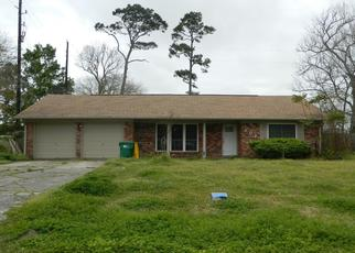 Pre Foreclosure in Baytown 77521 S CIRCLE DR - Property ID: 1655682907