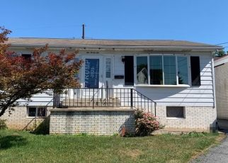 Pre Foreclosure in Hummelstown 17036 E 2ND ST - Property ID: 1655875154