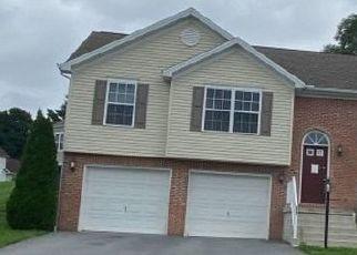 Pre Foreclosure in Waynesboro 17268 RIDGE CREST DR - Property ID: 1655906252