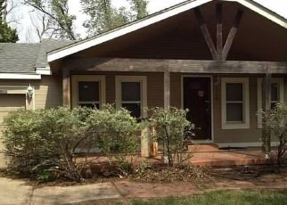 Pre Foreclosure in Oklahoma City 73130 N TIMBER RD - Property ID: 1655917651