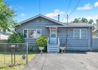 Pre Foreclosure in Stratford 06615 GARIBALDI AVE - Property ID: 1656014887