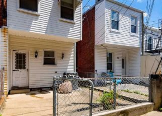 Pre Foreclosure in Baltimore 21211 KESWICK RD - Property ID: 1656031526