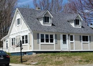 Pre Foreclosure in Millinocket 04462 VERMONT ST - Property ID: 1656137514