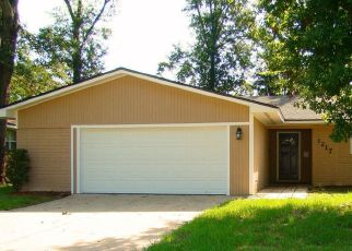 Pre Foreclosure in Jacksonville 32211 BROOKMONT AVE E - Property ID: 1656198833