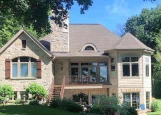 Pre Foreclosure in Hartland 53029 RIVER RD - Property ID: 1656479574