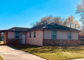 Pre Foreclosure in New Orleans 70126 PRENTISS AVE - Property ID: 1657012587