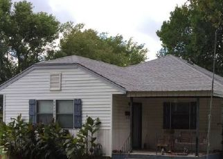 Pre Foreclosure in Newkirk 74647 S APPLE AVE - Property ID: 1657044106