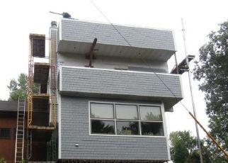 Pre Foreclosure in Hopkins 55305 SUMMIT LN - Property ID: 1657346767