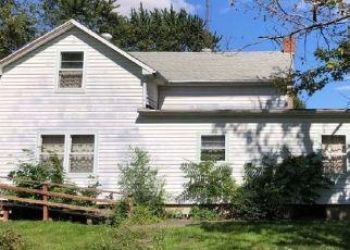Pre Foreclosure in Gilman 60938 E 5TH ST - Property ID: 1657587646