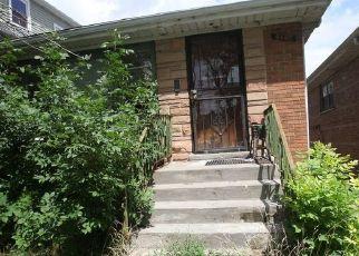 Pre Foreclosure in Chicago 60651 W AUGUSTA BLVD - Property ID: 1657593785