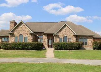 Pre Foreclosure in Navasota 77868 DOVE TRL - Property ID: 1658356733