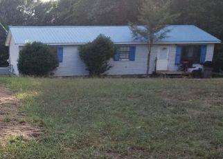 Pre Foreclosure in Henderson 38340 TUCKER CV - Property ID: 1658399656