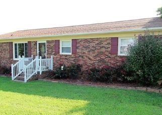 Pre Foreclosure in Gastonia 28052 REDWOOD LN - Property ID: 1658444315