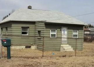 Pre Foreclosure in Chicopee 01013 JOY ST - Property ID: 1658947107