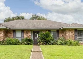 Pre Foreclosure in Baton Rouge 70815 KATHERINE AVE - Property ID: 1658955435