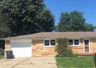 Pre Foreclosure in Vine Grove 40175 CHERYL AVE - Property ID: 1659022900