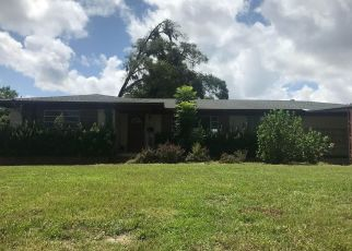 Pre Foreclosure in Jacksonville 32211 WATEREDGE LN - Property ID: 1659043468