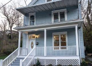 Pre Foreclosure in Cincinnati 45226 DELTA AVE - Property ID: 1659822178