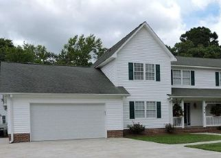 Pre Foreclosure in Newport 28570 GLOUCESTER CT - Property ID: 1659921164