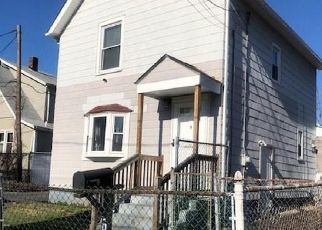 Pre Foreclosure in Hartford 06114 BODWELL ST - Property ID: 1660004834