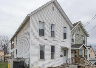 Pre Foreclosure in Dubuque 52001 RIES ST - Property ID: 1660192721