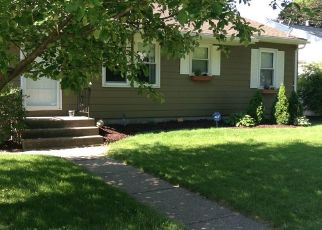 Pre Foreclosure in Bettendorf 52722 BELLEVUE AVE - Property ID: 1660200147