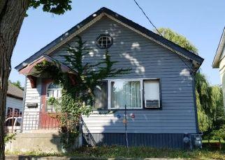 Pre Foreclosure in Racine 53402 SUPERIOR ST - Property ID: 1660549668