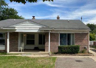 Pre Foreclosure in Wayne 48184 VENOY RD - Property ID: 1660565428
