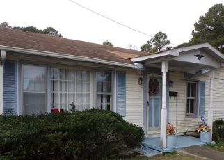 Pre Foreclosure in Suffolk 23434 HULL ST - Property ID: 1660600467
