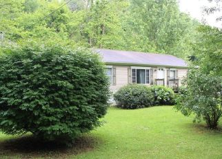 Pre Foreclosure in Elizabethton 37643 BULLDOG HOLW - Property ID: 1660790551