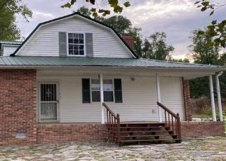 Pre Foreclosure in Walling 38587 WILL THOMPSON RD - Property ID: 1660807631