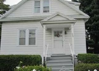 Pre Foreclosure in Bridgeport 06606 SOUNDVIEW AVE - Property ID: 1661556119