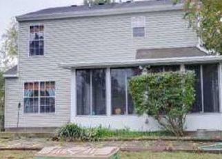 Pre Foreclosure in Suffolk 23434 KEMP LNDG - Property ID: 1662160534