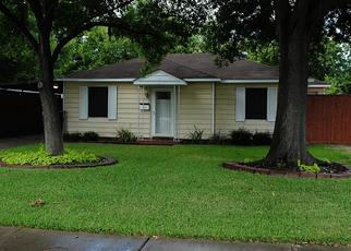 Pre Foreclosure in Pasadena 77506 GARRETT ST - Property ID: 1662197772