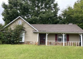 Pre Foreclosure in Millington 38053 COTTAGE HILL DR - Property ID: 1662255571