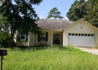 Pre Foreclosure in Lavonia 30553 LAKE CLUB DR - Property ID: 1662308121