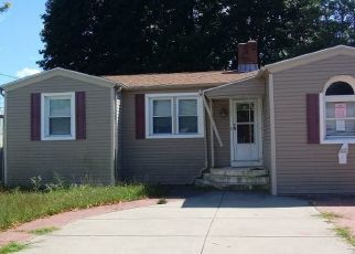 Pre Foreclosure in Johnston 02919 HARBOARD RD - Property ID: 1662425955