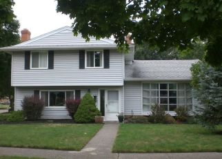 Pre Foreclosure in Cleveland 44130 SUTHERLAND AVE - Property ID: 1662567409