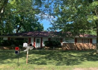 Pre Foreclosure in Lansing 48917 ELMSHAVEN DR - Property ID: 1662743475