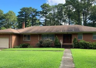 Pre Foreclosure in Norfolk 23505 SUBURBAN PKWY - Property ID: 1663303203