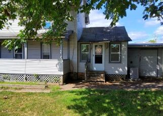 Pre Foreclosure in Pittsfield 01201 BURBANK ST - Property ID: 1663328165
