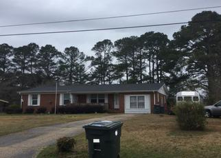 Pre Foreclosure in Fayetteville 28311 DOWFIELD DR - Property ID: 1663438542