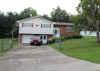 Pre Foreclosure in Interlachen 32148 OAKCREST DR - Property ID: 1663490666