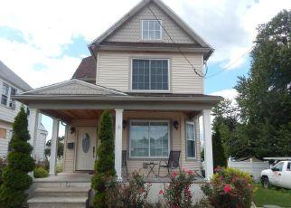 Pre Foreclosure in Scranton 18504 RUNDLE ST - Property ID: 1663549344