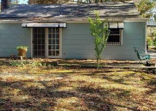 Pre Foreclosure in Bay Shore 11706 SAXON AVE - Property ID: 1663894473
