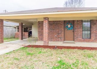 Pre Foreclosure in Shreveport 71107 W FRONT ST - Property ID: 1664158569