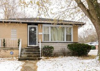 Pre Foreclosure in Dolton 60419 MURRAY AVE - Property ID: 1664176531