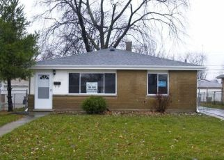 Pre Foreclosure in Calumet City 60409 GREENBAY AVE - Property ID: 1664182211
