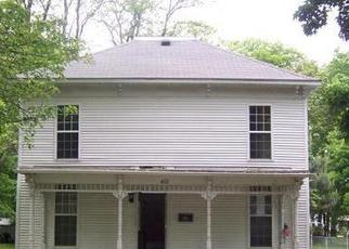 Pre Foreclosure in Shelbyville 62565 N LONG ST - Property ID: 1664218572